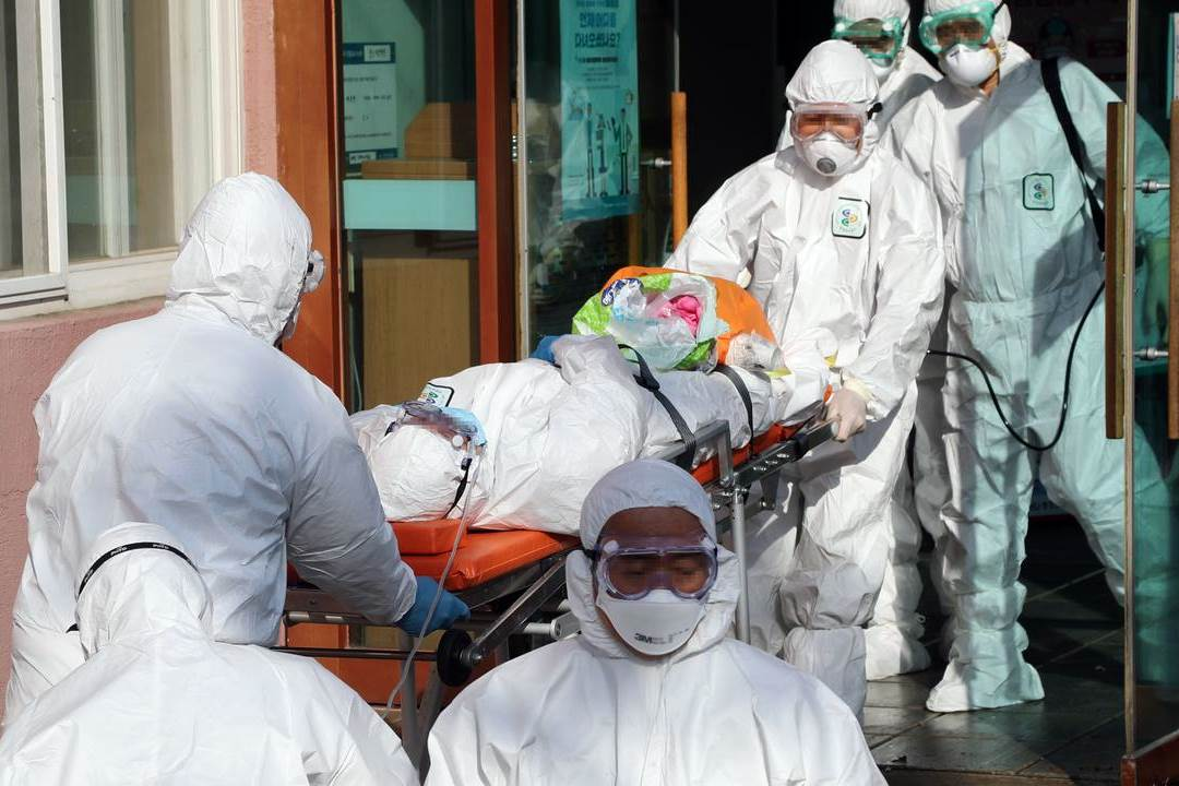 Almost all infections can be traced back to a hospital in Cheongdo and a church in Daegu.(Foto nu.nl)