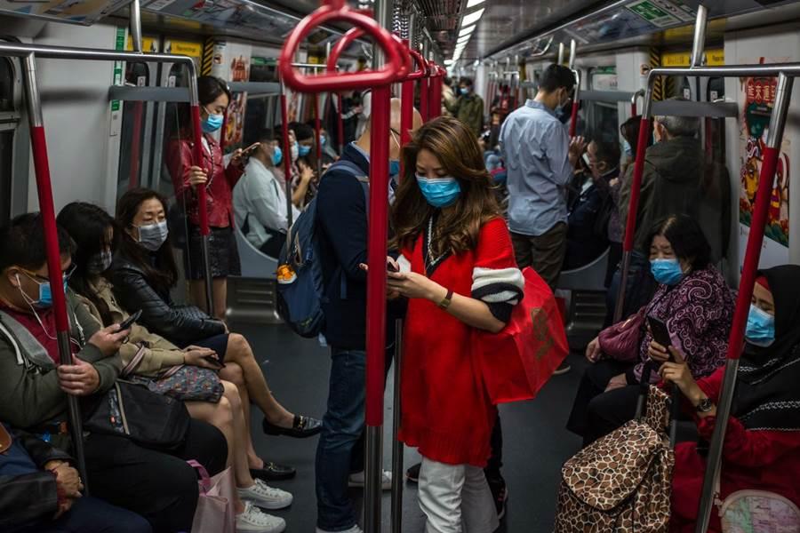 Feature Image Lampaui Hong Kong, Jumlah Pasien Positif Corona di Indonesia Lebih Banyak dari Pasien Positif Corona di Hong Kong (foto Getty Images)