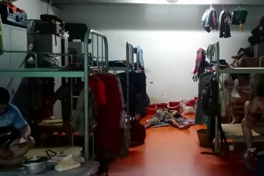 Feature Image 20 Ribuan Pekerja Migran di Singapura Dikarantina di Tempat yang Rentan Menularkan Virus Corona (foto Reuters.com)