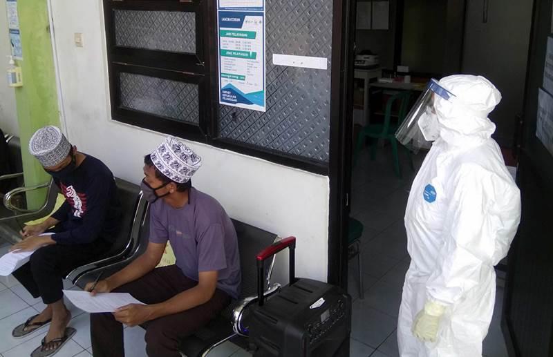 Feature Image Tak Ingin Kecolongan, 94 Santri Temboro yang Mudik ke Madiun Dirapid Tes Ulang (Foto Jatim Net)