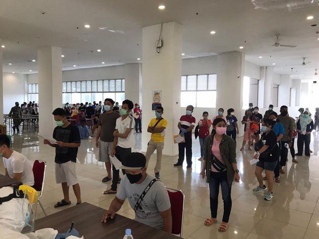 FEATURE IMAGE Saat Ribuan PMI Ingin Segera Sampai Kampung Halaman, Ratusan PMI ini Memilih Bertahan di Wisma Karantina (Foto Istimewa)