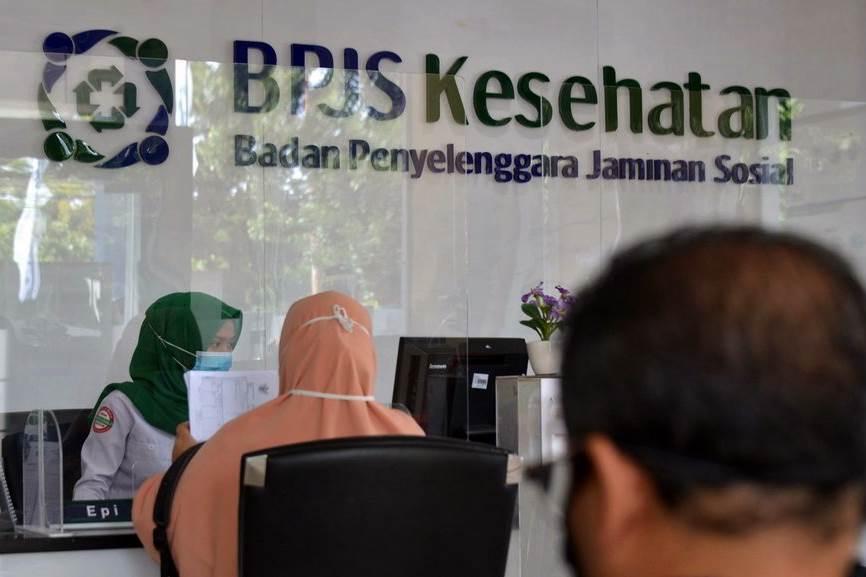 Suasana pelayanan di kantor BPJS Kesehatan (Foto Tirto Id)