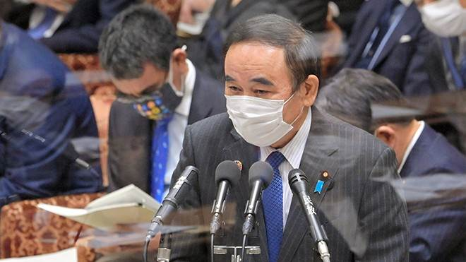 Tetsushi Sakamoto, the newly appointed state minister to deal with loneliness, responds to Diet questions in January. (Kotaro Ebara-asahi.com)