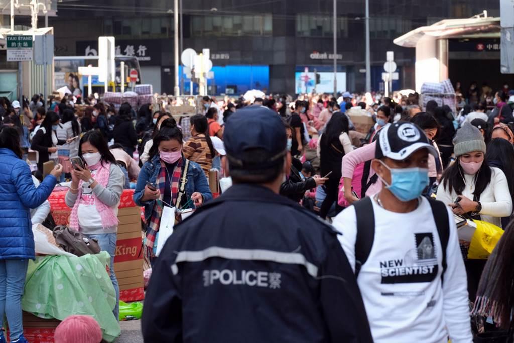 Kerumunan PRT Asing di Hong Kong saat liburan (foto HK01)
