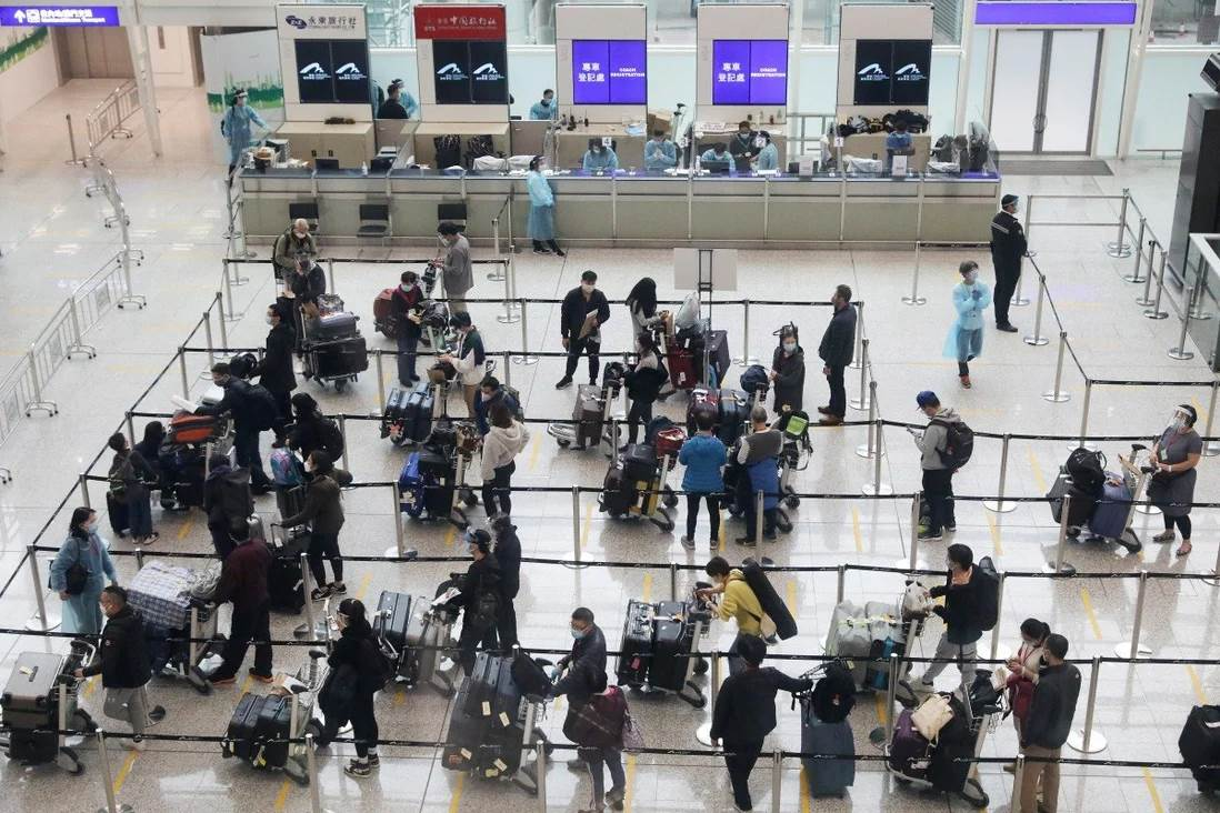 Hong Kong International Airport during pandemic (Foto SCMP)