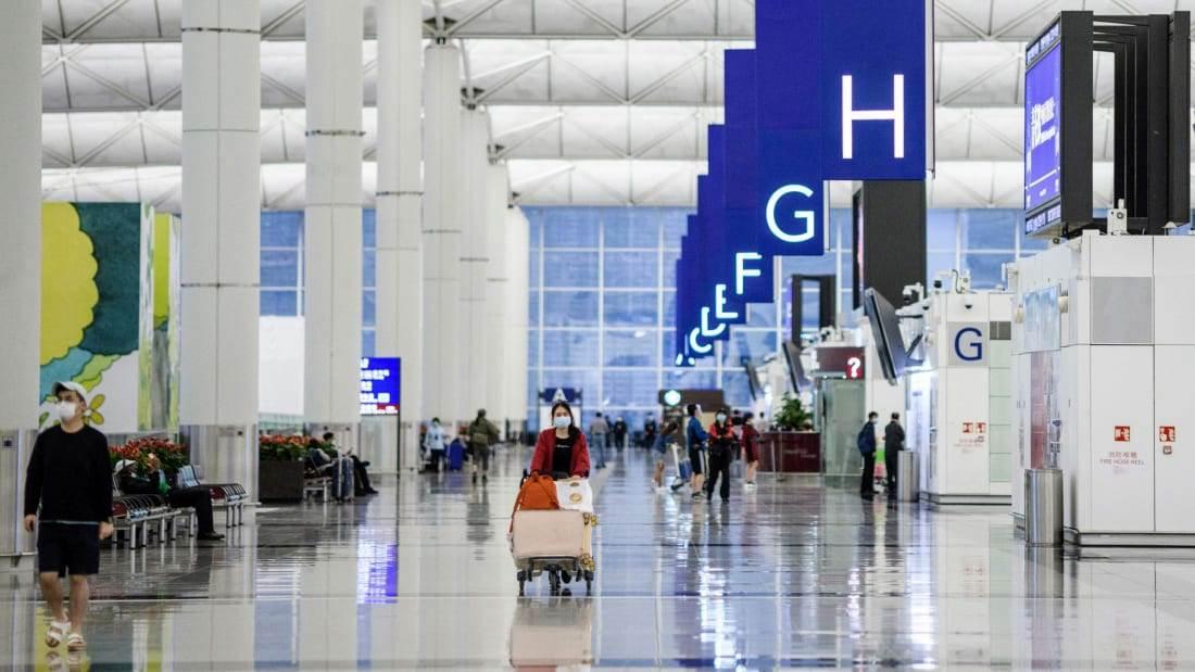 Chek Lap Kok international airport during pandemic (Foto CNN)