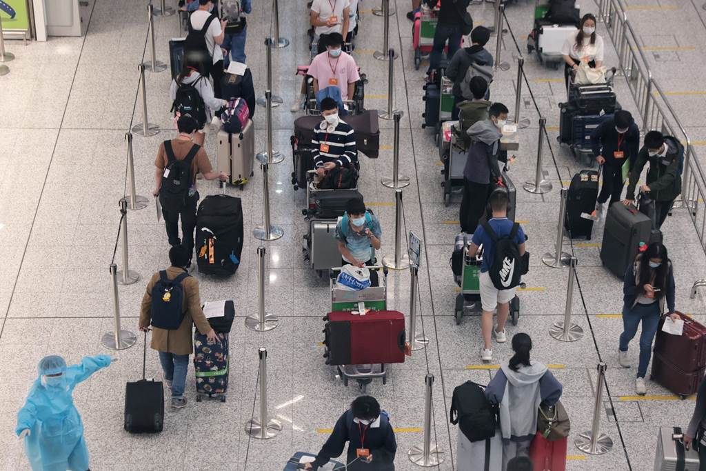 Hong Kong International Airport during pandemic (Foto HK01)