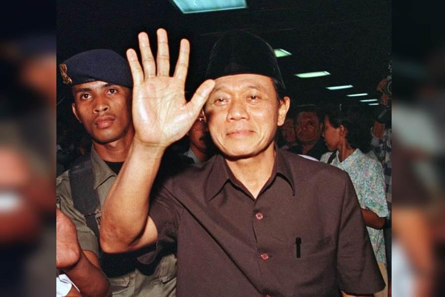 Mantan Menteri Penerangan era Orde Baru, Harmoko (Foto Istimewa)