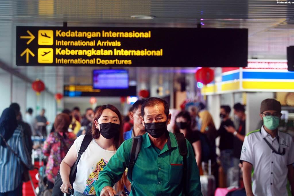 Kedatangan WNA melalui Bandara Internasional Soekarno Hatta (Foto Istimewa)