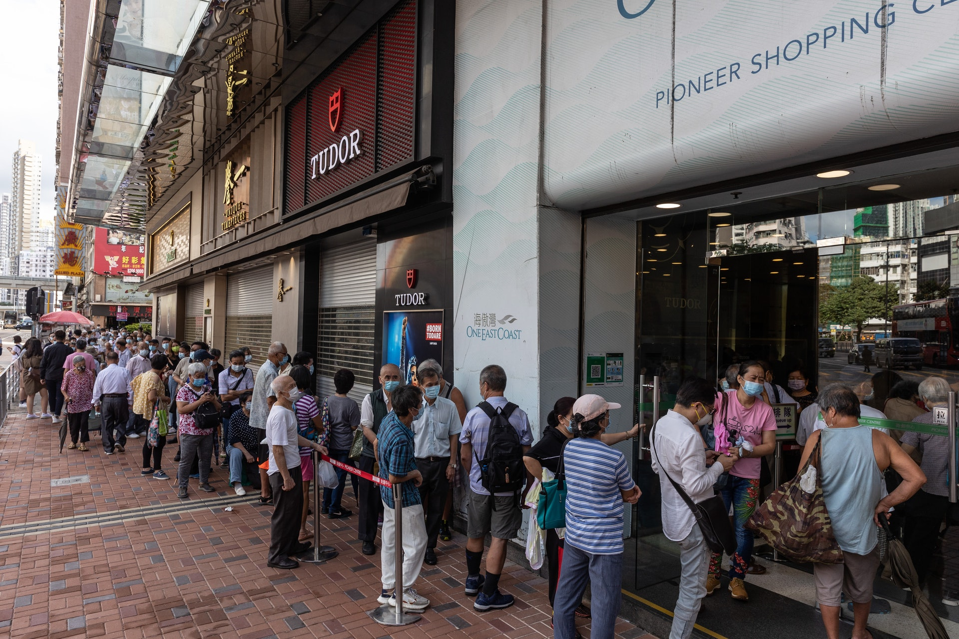 Lansia di Hong Kong Mengantri Voucher (Foto HK01)