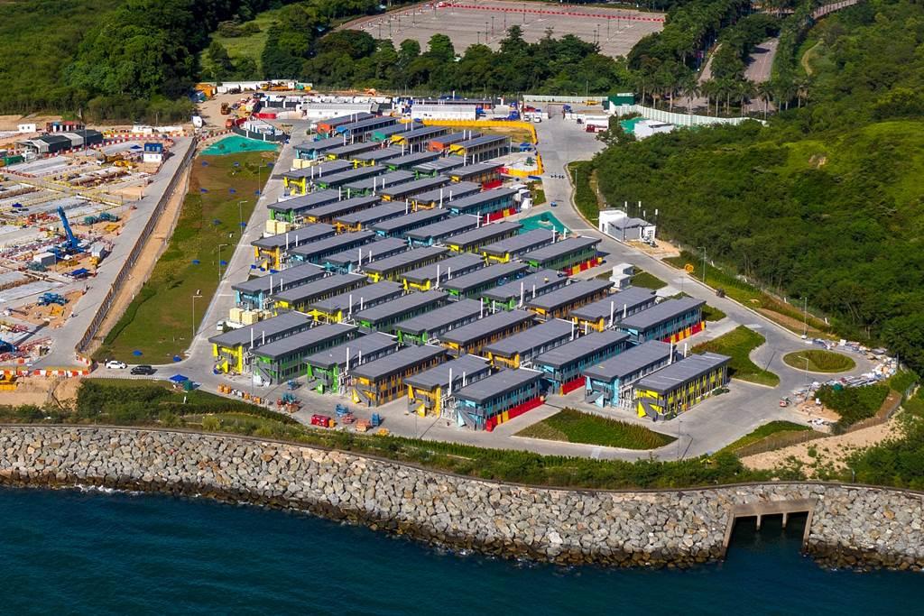 Pusat karantina khusus PRT asing di Teluk Penny's Hong Kong (foto Istimewa)